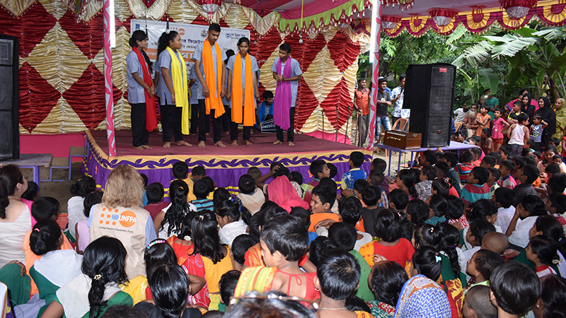 Awareness-raising-Theatre-show-Alor-Pothe-(On-the-way-to-Enlightenment)-organized-by-ASTHA-project